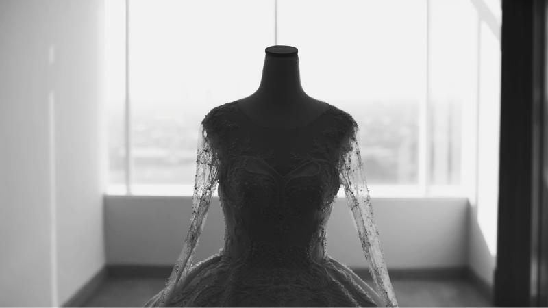 Was tun, wenn du dir unsicher bei deinem Brautkleid bist? Brautmoden mit Herz